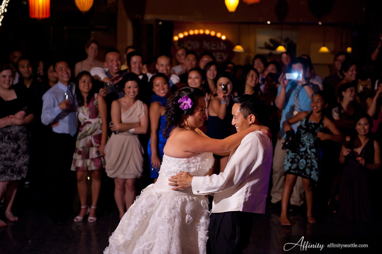 How To Dance At A Wedding.Cynthia And Jason S Custom First Dance Mix Seattle Wedding